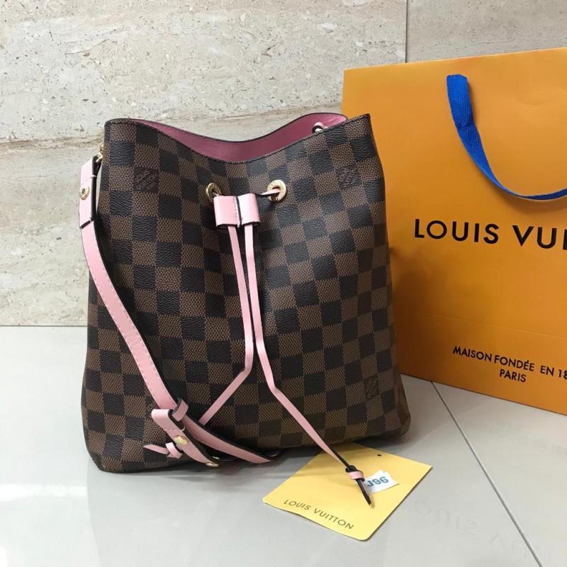 Bolso Louis Vuitton Bombonera Néonoé 100% piel